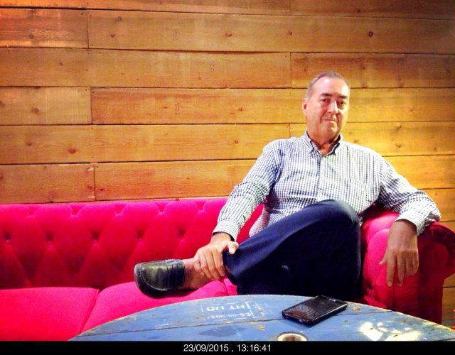 Entrevistando en el Chester a Luis Fernández del Campo